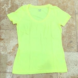 Mossimo neon yellow t shirt great condition